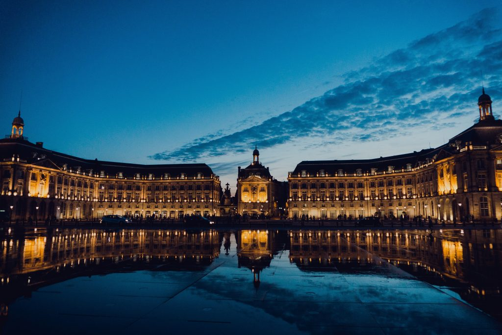Place de la Bourse et miroir d'eau Bordeaux